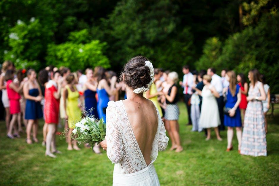 Lancé du Bouquet de la Mariée